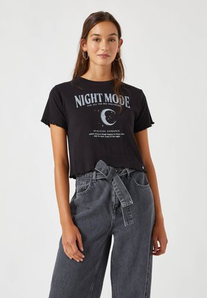 MIT MOTIV NIGHT FALLS - Print T-shirt - black