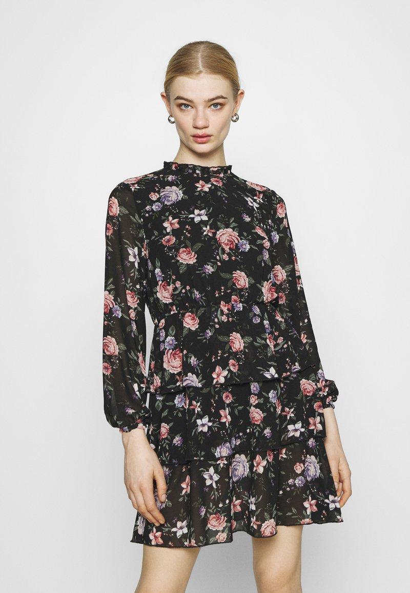 ONLY - ONLVIVIAN FLOWER FRILL DRESS - Denní šaty - black