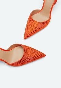 Uterqüe - MIT STRASS - Classic heels - orange - 4