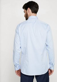 Strellson - SANTOS SLIM FIT - Formální košile - hell blau - 2