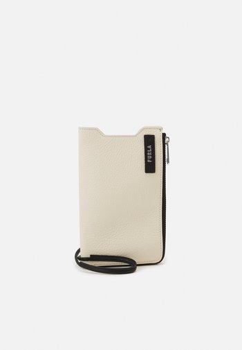 TECHNICAL PHONE HOLDER UNISEX - Phone case - pergamena