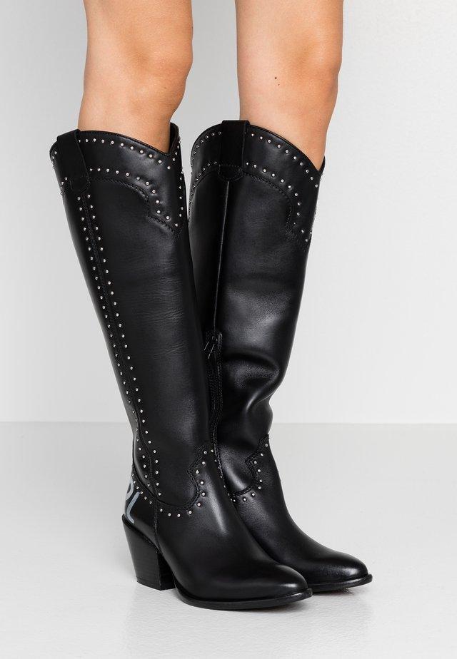 KAVALIER STUD LEG - Kovbojské/motorkářské boty - black/silver
