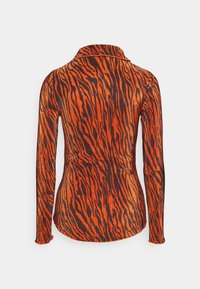 Who What Wear - PLISSE - Button-down blouse - rust - 1