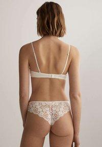 OYSHO - Triangle bra - white - 2