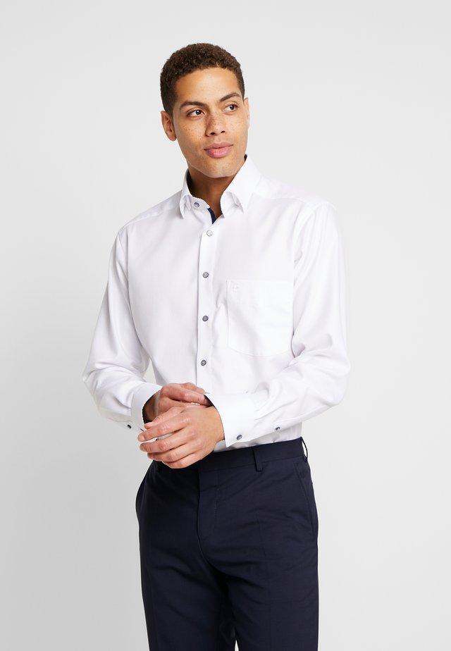 OLYMP LUXOR MODERN FIT - Overhemd - white