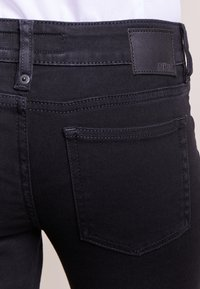 DRYKORN - PAY - Jeansy Skinny Fit - black - 4