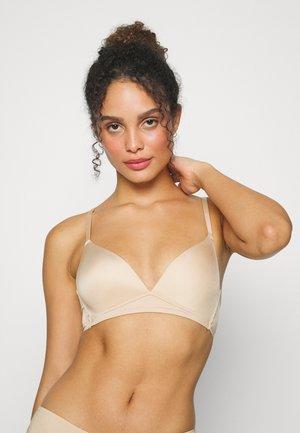 SHINY WIRELESS PADDED BRA - Podprsenka pod tričko - dusty nude