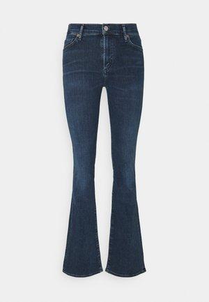 EMANNUELLE - Jeans bootcut - ark-blue denim