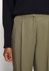 Bruuns Bazaar - TELMAH DAHLIA PANT - Trousers - olive tree - 6