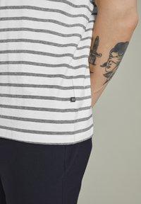 Matinique - MAJERMANE - Print T-shirt - white - 3