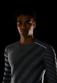 Nike Performance - TECH COOL - Funktionströja - grey fog/black/reflective silver - 3