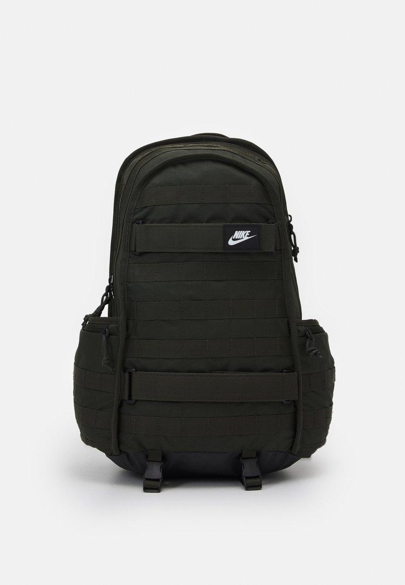 Nike Sportswear - UNISEX - Batoh - green