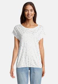 Betty & Co - Print T-shirt - weiß - 0