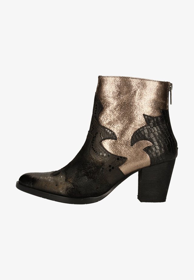 Ankle boot - lizard