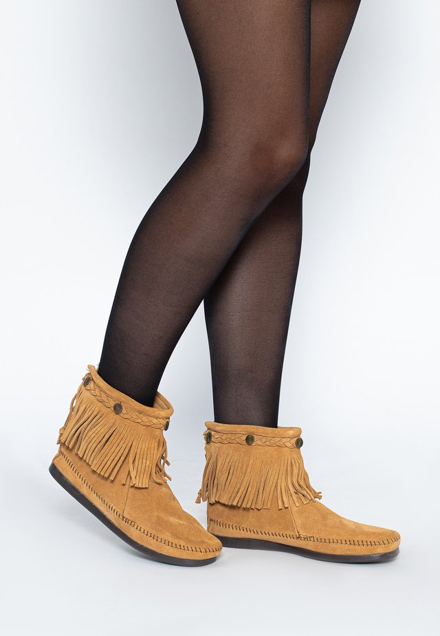HI TOP BACK ZIP ANKLE BOOT - Botki - tan