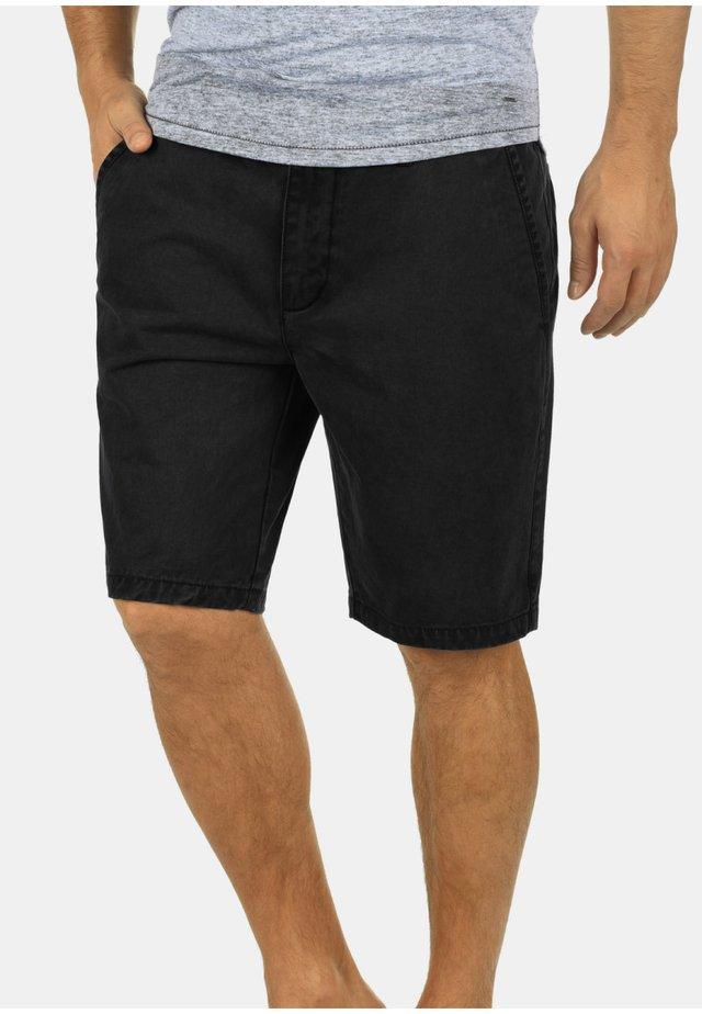 PINHEL - Shorts - black