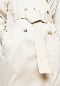 HUGO - MAKIMI - Trenchcoat - natural - 6
