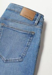 Mango - Denim shorts - azul medio - 7