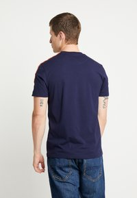 Lyle & Scott - TAPED T-SHIRT - Basic T-shirt - navy - 2