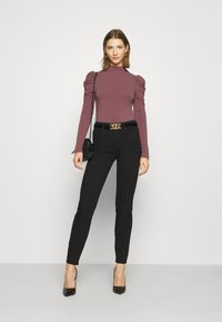 ONLY - ONLZAYLA PUFF - Body - rose brown - 1