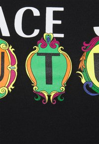 Versace Jeans Couture - TEE - Print T-shirt - black - 6