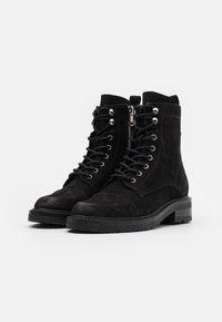 Pavement - CHARLEY ECO - Šněrovací kotníkové boty - black - 2