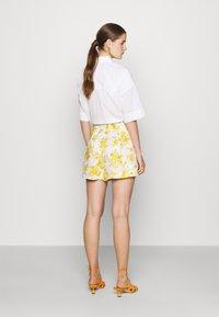 Faithfull the brand - ONDINE - Shorts - yellow - 2