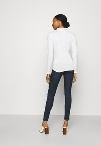 MAMALICIOUS - MLLOLA RECYCLED SLIM LEGGINGS  - Jeans Skinny Fit - dark blue denim - 2