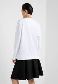 DKNY - BLOCK LOGO - Sweatshirt - white - 2
