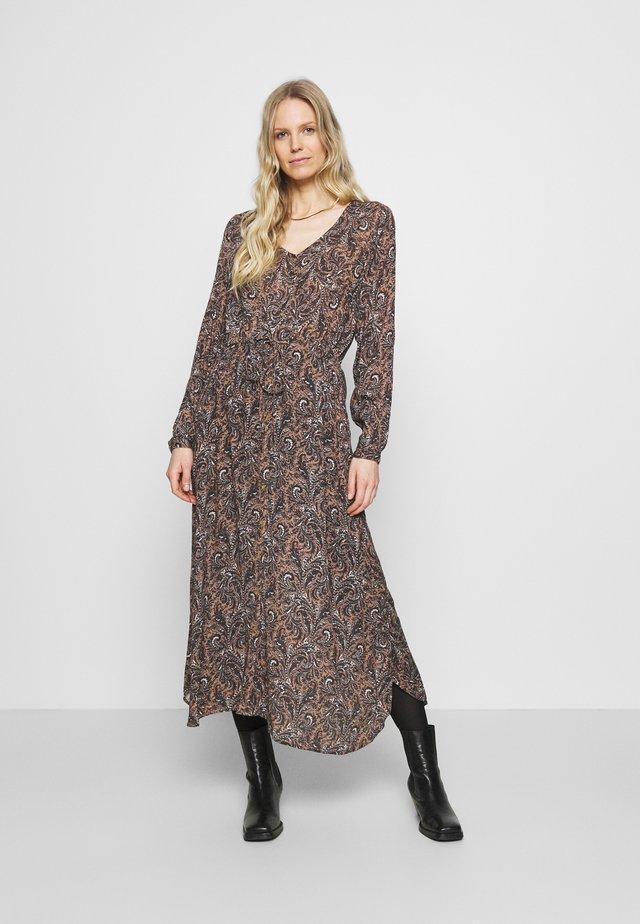 SAIDA AMBER DRESS - Maxi-jurk - woodsmoke/marine