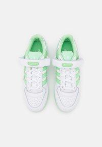 adidas Originals - FORUM  - Sneakers - footwear white/glory mint - 4