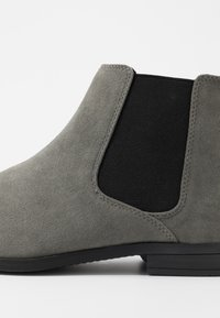 Pier One - Classic ankle boots - grey - 5