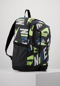 Nike Sportswear - ALL ACCESS SOLEDAY - Reppu - dark smoke grey/black/photon dust - 3