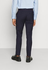 Isaac Dewhirst - CHECK - Completo - dark blue - 5