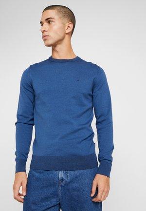 C NECK - Stickad tröja - blue