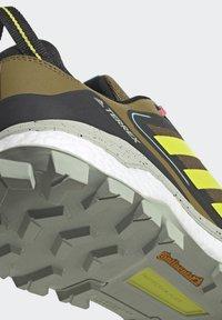 adidas Performance - TERREX SKYCHASER 2 - Hikingsko - wild moss/acid yellow/acid mint - 7