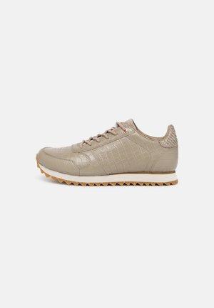 YDUN CROCO SHINY - Sneakersy niskie - silver mink