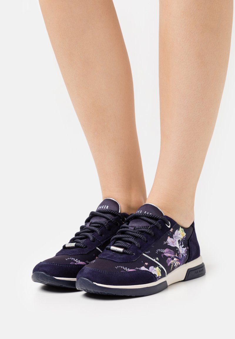 Ted Baker - CEYYAS - Trainers - navy
