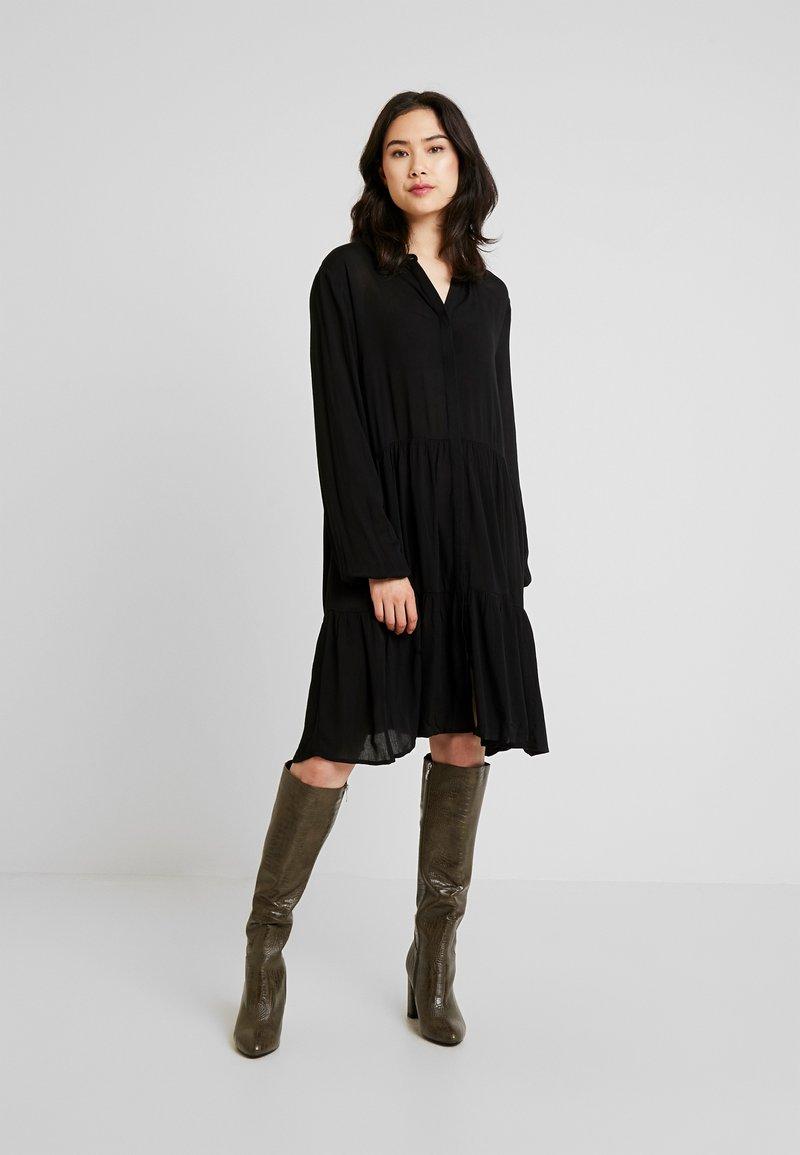 Freequent - FQFLOW SOLID - Shirt dress - black