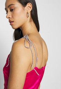 Missguided - DIAMANTEN LOOK TIE STRAP DRESS - Cocktail dress / Party dress - hot pink - 5
