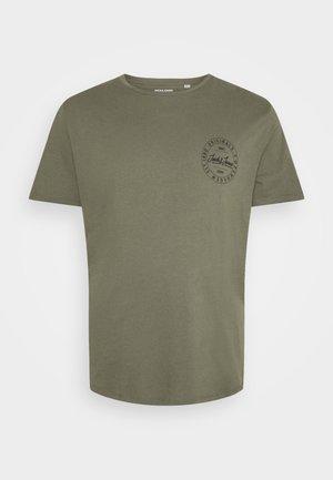 JORMOVESMALL TEE CREW NECK - Print T-shirt - dusty olive