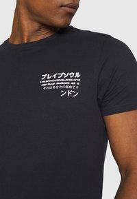 Brave Soul - T-shirt med print - blue - 4