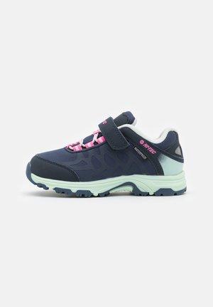 YOMP WP  - Hiking shoes - light navy/light mint/light fuchsia