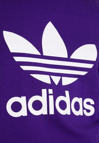 adidas Originals - ADICOLOR TREFOIL GRAPHIC TEE - T-shirt z nadrukiem - collegiate purple - 4