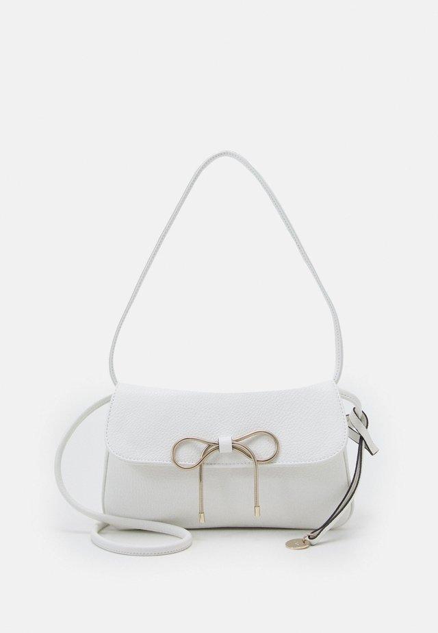 SHOULDER BAG - Handbag - latte