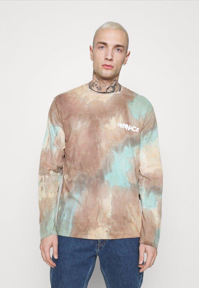 TRY YOUR LUCK TIE DYE - Maglietta a manica lunga - light blue