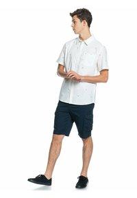 Quiksilver - YACHT ROCK  - Shirt - snow white yacht rock - 1