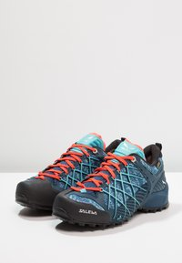 Salewa - WILDFIRE GTX - Hiking shoes - poseidon/capri - 2