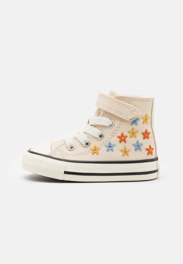 CHUCK TAYLOR ALL STAR - Sneakers hoog - natural/multicolor/black