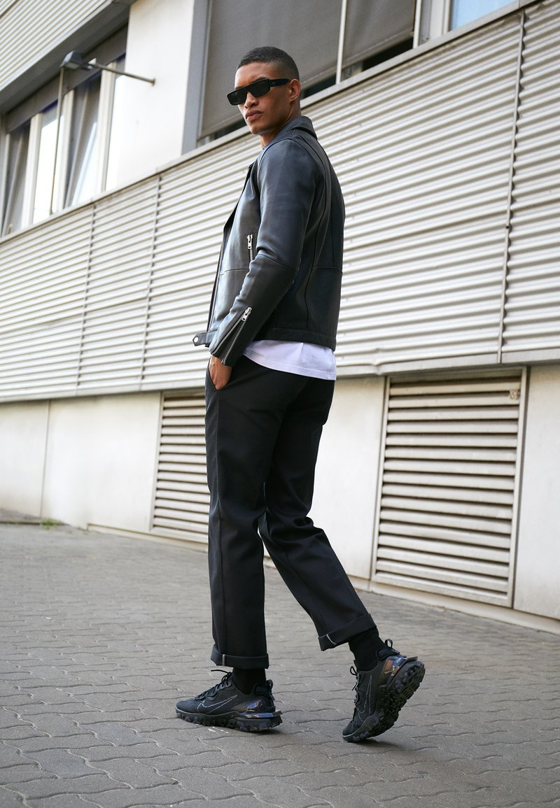Nike Sportswear - REACT VISION  - Sneakers - black/anthracite